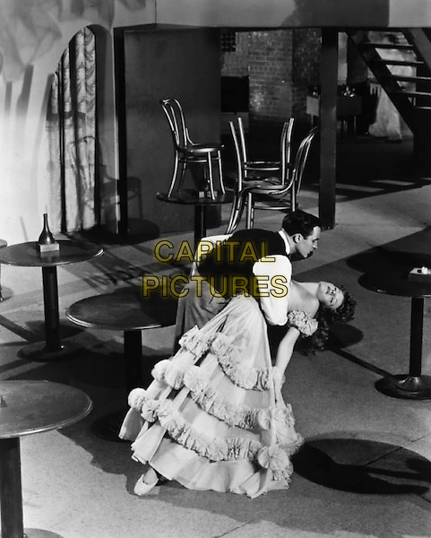 Gene Kelly & Rita Hayworth .in Cover Girl.*Filmstill - Editorial Use Only*.CAP/PLF.Supplied by Capital Pictures.