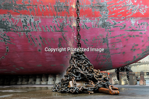 China, Shekou, 31 March till 6th April 2008 VLCC (Very Large Crude oil Carrier) Venture Spirit in dock for first 5 year service. Photo Kees Metselaar/PhotoKees