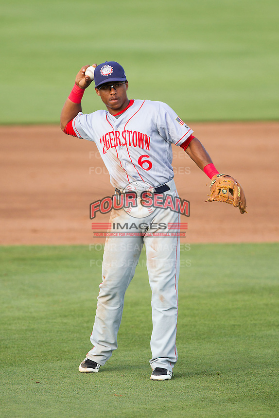 Hagerstown Suns shortstop Wilmer Difo (6) on defense against the Kannapolis Intimidators at CMC-Northeast Stadium on June 1, 2014 in Kannapolis, North Carolina.  The Suns defeated the Intimidators 11-5 in game two of a double-header.  (Brian Westerholt/Four Seam Images)