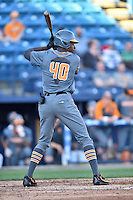 Tennessee Volunteers left fielder Vincent Jackson (40) awaits a pitch during a game against the UNC Asheville Bulldogs at McCormick Field on March 15, 2016 in Asheville, North Carolina. The Volunteers defeated the Bull Dogs 7-3. (Tony Farlow/Four Seam Images)