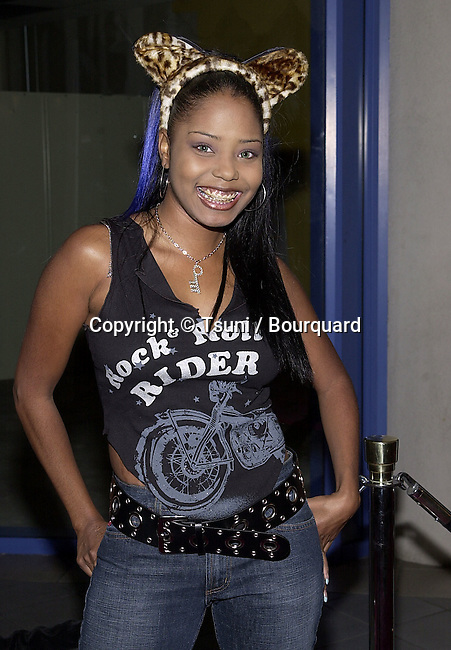 """Shar Jackson  arriving at the premiere of """" Josie and the PussyCats"""" at the Galaxie Theatre in Los Angeles  4/9/2001  © Tsuni          -            JacksonShar05A.jpg"""