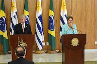 BRASÍLIA, DF, 21.05.2015 - VÁZQUEZ-DF - O presidente do Uruguai Tabará Vázquez e a presidente Dilma Rousseff durante declaração conjunta a imprensa nesta quinta-feira, 21, no Palácio do Planalto em Brasília. (Foto: Ricardo Botelho / Brazil Photo Press)
