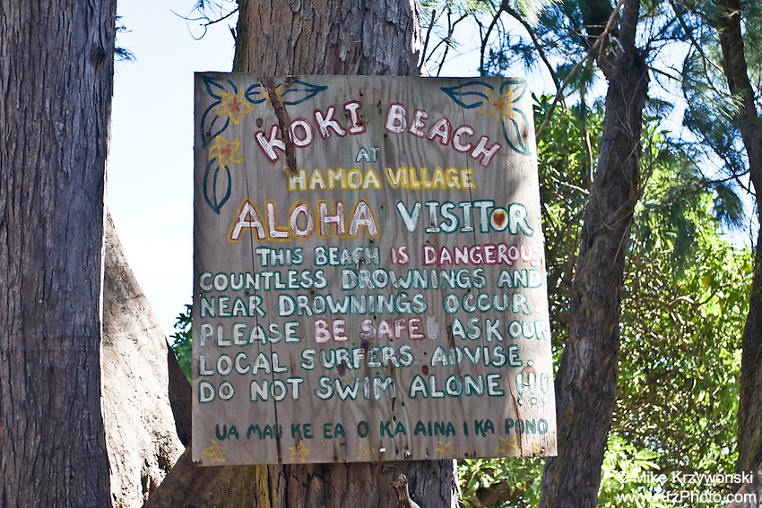 Homemade warning sign at Koki Beach near Hana, Maui, Hawaii