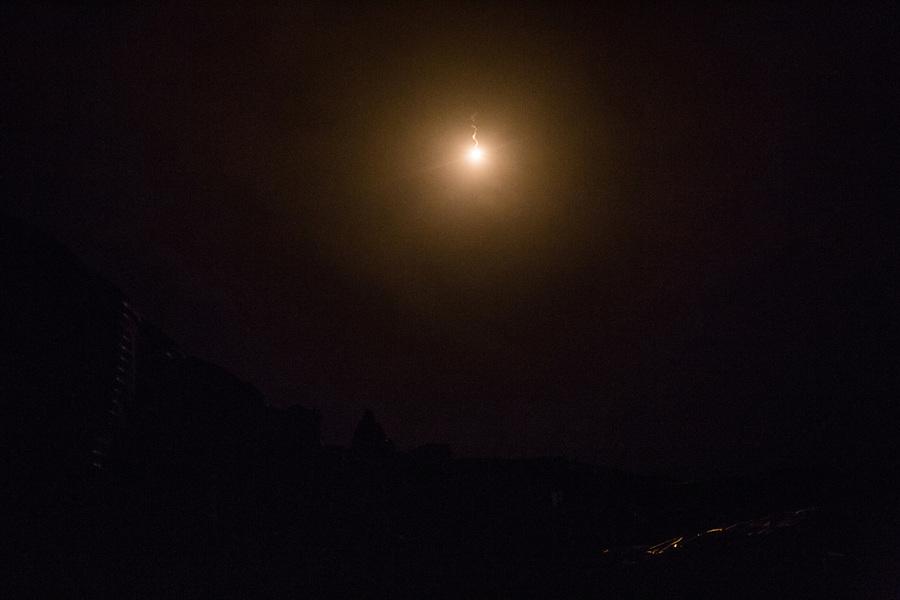 Flare that lighten the surroundings of the checkpoint, Kunar, Afghanistan, 15th November 2017. <br /> <br /> Un flare éclaire les alentours du poste avancé, Kunar, Afghanistan, 15 novembre 2017.