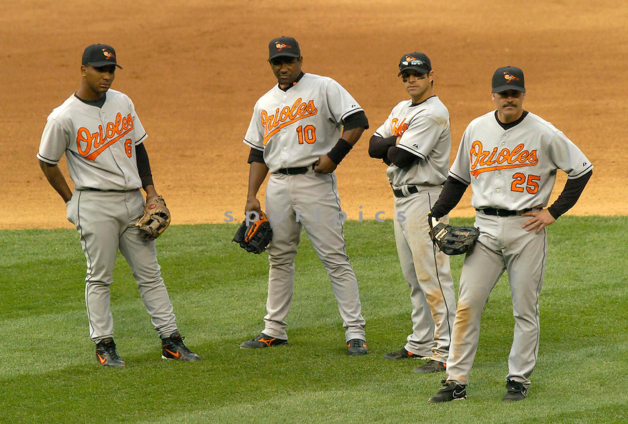 Baltimore Orioles in action against the Chicago White Sox. ....Orioles won 6-2.....David Durochik / SportPics..