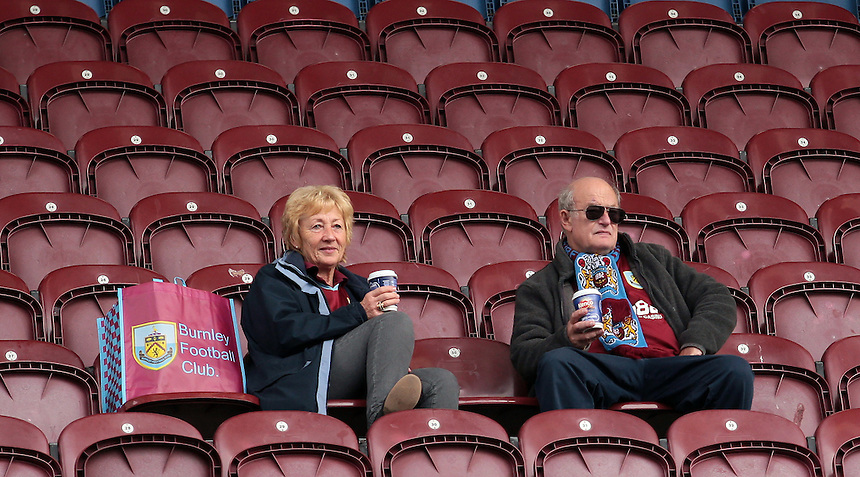 Burnley fans before kick off<br /> <br /> Photographer David Shipman/CameraSport<br /> <br /> Football - The Football League Sky Bet Championship - Burnley v Reading - Saturday 26th September 2015 - Turf Moor - Burnley<br /> <br /> &copy; CameraSport - 43 Linden Ave. Countesthorpe. Leicester. England. LE8 5PG - Tel: +44 (0) 116 277 4147 - admin@camerasport.com - www.camerasport.com
