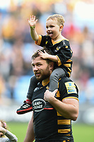 Matt Mullan of Wasps with his son after the match. Aviva Premiership semi final, between Wasps and Leicester Tigers on May 20, 2017 at the Ricoh Arena in Coventry, England. Photo by: Patrick Khachfe / JMP