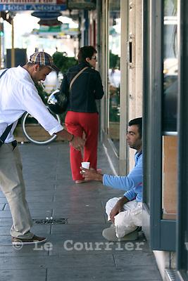 Genève, le 25.07.2007.Mendiant d'origine roumaine à Genève, face à la gare Cornavin..© Le Courrier / J.-P. Di Silvestro