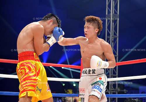 (L-R) Petchbarngborn Kokietgym (THA), Naoya Inoue (JPN),<br /> SEPTEMBER 4, 2016 - Boxing :<br /> Naoya Inoue of Japan in action against Petchbarngborn Kokietgym (Karoon Jarupianlerd) of Thailand during the WBO super flyweight title bout at Sky Arena Zama in Kanagawa, Japan. (Photo by Mikio Nakai/AFLO)