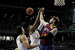 Real Madrid´s Slaughter and Barcelona´s Tomic during Liga Endesa Final first match at Palacio de los Deportes in Madrid, Spain. June 19, 2015. (ALTERPHOTOS/Victor Blanco)