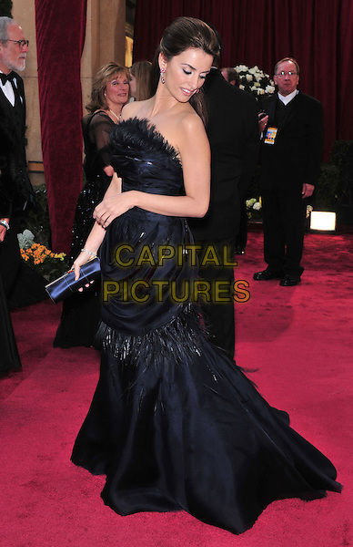 PENELOPE CRUZ.The 80th Annual Academy Awards arrivals held at the Kodak Theatre, Hollywood, California, USA. .February 24th, 2008.oscars full length black strapless dress feathers clutch bag purse looking down.CAP/ADM/GB.©Gary Boas/AdMedia/Capital Pictures.