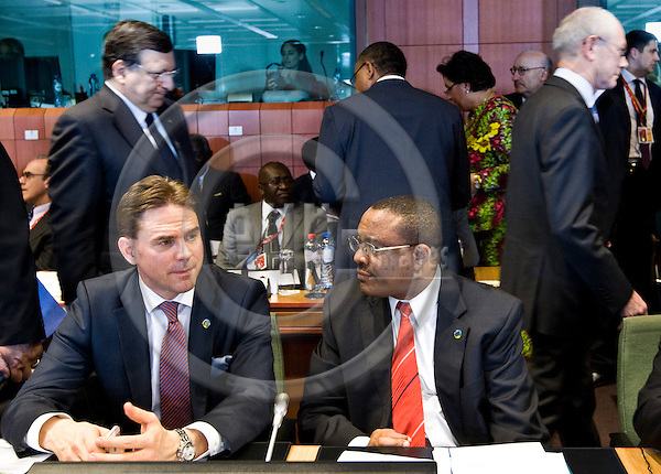BRUSSELS - BELGIUM - 02 April 2014 -- EU - Africa Summit. -- Jyrki KATAINEN, Prime Minister of Finland with Hailemariam Desalegn Prime Minister of Ethiopia. Jose Manuel Barroso, President of the European Commission and Herman Van ROMPUY, President of the European Council  walking in the back. -- PHOTO: Juha ROININEN / EUP-IMAGES
