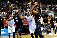 GRONINGEN - Basketbal, Donar - Vitautas, Champions League,  seizoen 2017-2018, 19-09-2017, Donar speler Brandyn Curry legt aan voor schot