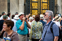 Touring in Piazza di San Giovanni, Tourists, Florence, Italy, Europe, 2007, ©Stephen Blake Farrington