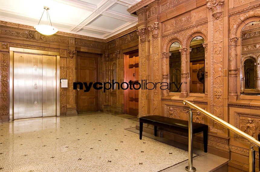 Lobby at 320 West 86th Street