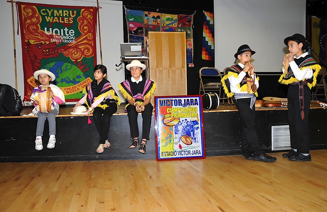 El Sueno Existe Festival<br /> Machynlleth<br /> Wales<br /> Our Future, Our Planet Our Dream<br /> Young members of the Expresion Inka Latin-American performing arts company.