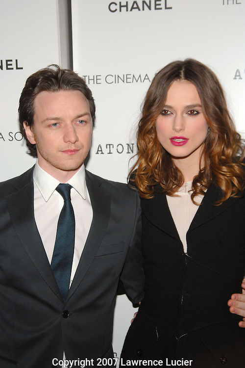 "Actor James McAvoy and actress Keira Knightley arrive at a screening of the film ""Atonement"" December 3, 2007, at the IFC Theater in New York City.. (Pictured : JAMES MCAVOY KEIRA KNIGHTLEY)."