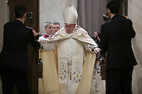 Papa Francesco apre la Porta Santa della Basilica di Santa Maria Maggiore a Roma, 1 January 2016.<br /> Pope Francis opens the Holy Door of St. Mary Major Basilica in Rome, 1 January 2016.<br /> UPDATE IMAGES PRESS/Giagnori De Luca<br /> <br /> STRICTLY ONLY FOR EDITORIAL USE