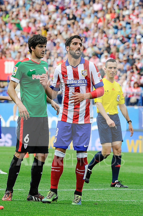 Atletico de Madrid´s Raul Garcia and Athletic Club´s Mikel San Jose during 2014-15 La Liga match between Atletico de Madrid and Athletic Club at Vicente Calderon stadium in Madrid, Spain. May 02, 2015. (ALTERPHOTOS/Luis Fernandez)