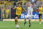 06.10.2018, Signal Iduna Park, Dortmund, GER, DFL, BL, Borussia Dortmund vs FC Augsburg, DFL regulations prohibit any use of photographs as image sequences and/or quasi-video<br /> <br /> im Bild v. li. im Zweikampf Axel Witsel (#28, Borussia Dortmund) Andre Hahn (#28, FC Augsburg) <br /> <br /> Foto &copy; nph/Horst Mauelshagen