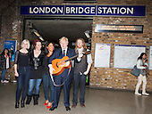 Girl group The Lorelles, London Mayor Boris Johnson and Musician Newton Faulkner. Busking at London Bridge Station. Rhythm of London 2011, Busking Underground competition is underway and the hunt is on to find London's most talented young musicians.