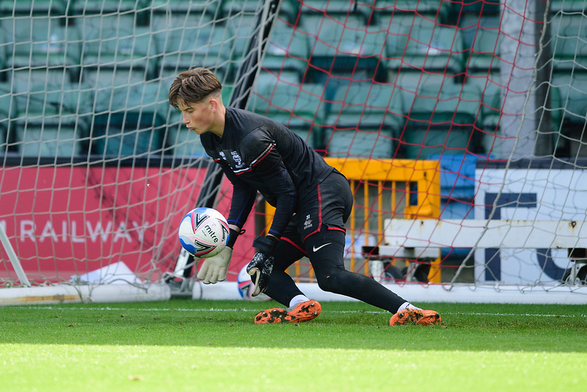 Lincoln City's Sam Long during the pre-match warm-up<br /> <br /> Photographer Andrew Vaughan/CameraSport<br /> <br /> The EFL Sky Bet League One - Saturday 12th September  2020 - Lincoln City v Oxford United - LNER Stadium - Lincoln<br /> <br /> World Copyright © 2020 CameraSport. All rights reserved. 43 Linden Ave. Countesthorpe. Leicester. England. LE8 5PG - Tel: +44 (0) 116 277 4147 - admin@camerasport.com - www.camerasport.com - Lincoln City v Oxford United