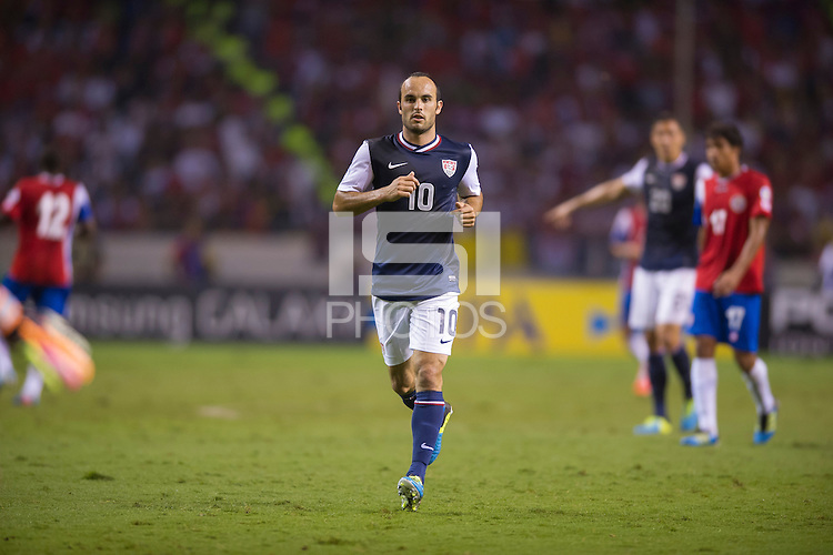 San Jose, Costa Rica - Wednesday, September 6, 2013: The USMNT vs Costa Rica during a WC Qualifying match at Estadio Nacional.