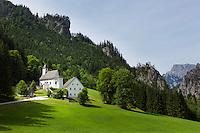Austria, Styria, village Johnsbach at Johnsbach Valley with alpinist cemetery and parish church Saint Giles | Oesterreich, Steiermark, Johnsbach: im Johnsbachtal, Bergsteigerfriedhof an der Kath. Pfarrkirche hl. Aegydius