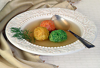 Tri Color Matza Ball in clear Brot