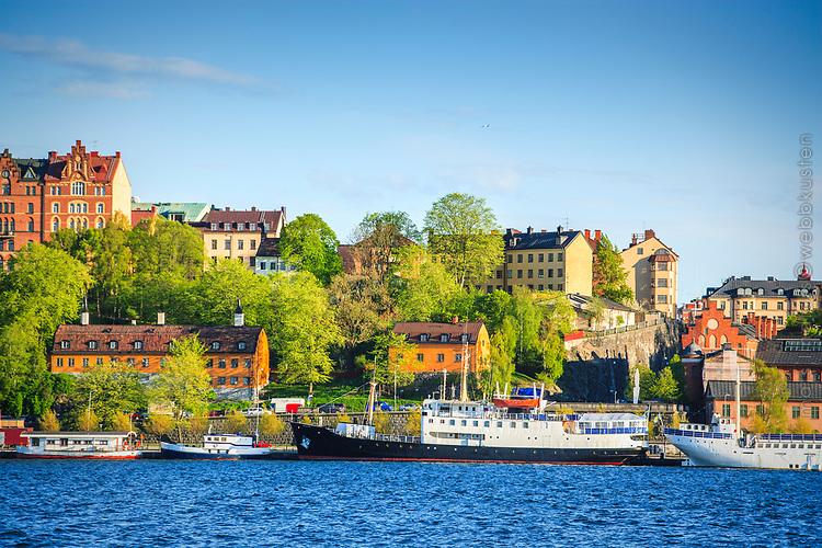 Söder Mälarstrand Stockholm med nyutslagna träd och grönska