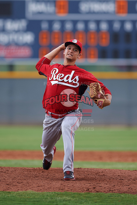 Cincinnati Reds pitcher Jesus Reyes (72) during an instructional league game against the Cleveland Indians on October 17, 2015 at the Goodyear Ballpark Complex in Goodyear, Arizona.  (Mike Janes/Four Seam Images)