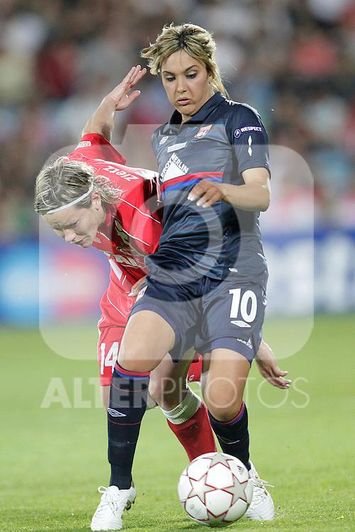 MADRID (20/05/09).- Louisa Necib and Jennifer Zietz at UEFA Women Champions League Final; Olympique Lyonnais vs Turbine Postdam. ..PHOTO: Cesar Cebolla / ALFAQUI