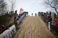 Sophie de Boer (NLD) ready to attack the tricky descent<br /> <br /> Koksijde CX World Cup 2014