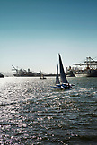 USA, California, Oakland, the Warf at Jack London Square, San Francisco in the distance