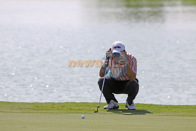 Wen-chong Liang on the 17th green during the opening round of Day 1 at the Dubai World Championship in Jumeirah Golf Estates, Dubai  UAE, 19th November 2009 (Photo by Eoin Clarke/GOLFFILE)