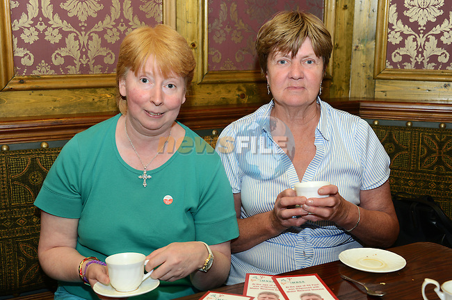 Martina Woods and Gretta McGuill at the Motor Neurone fundraiser in the Dunleer Inn. www.newsfile.ie