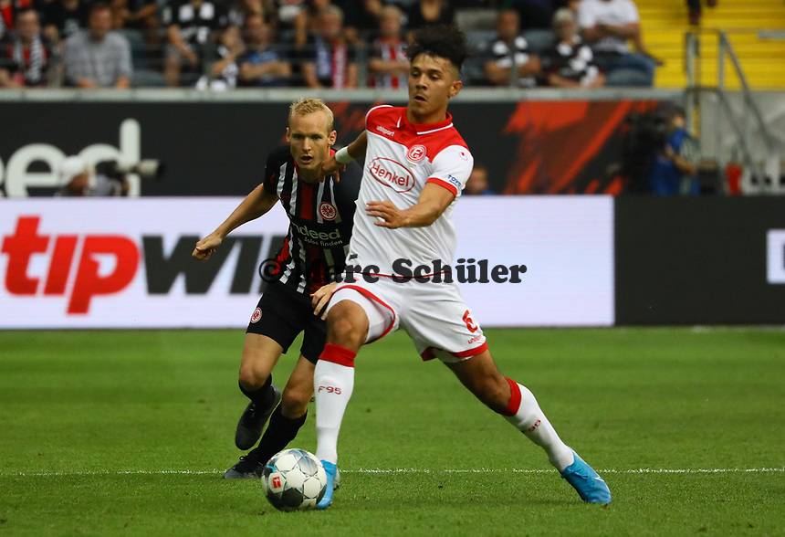 Alfredo Morales (Fortuna Düsseldorf) bgegen Sebastian Rode (Eintracht Frankfurt) - 01.09.2019: Eintracht Frankfurt vs. Fortuna Düsseldorf, Commerzbank Arena, 3. Spieltag<br /> DISCLAIMER: DFL regulations prohibit any use of photographs as image sequences and/or quasi-video.