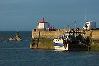 France, Manche (50), Cotentin, Barfleur, labellisé Les Plus Beaux Villages de France, le port  // France, Manche, Cotentin, Barfleur, labelled Les Plus Beaux Villages de France (The Most Beautiful Villages of France), the por