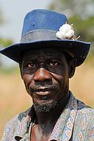 Burkina Faso, organic and fairtrade cotton project /Burkina Faso, Anbau von fairtrade und Biobaumwolle auf Biohof von Farmer Kabre Francois im Dorf D´apuri bei Ouagadougou