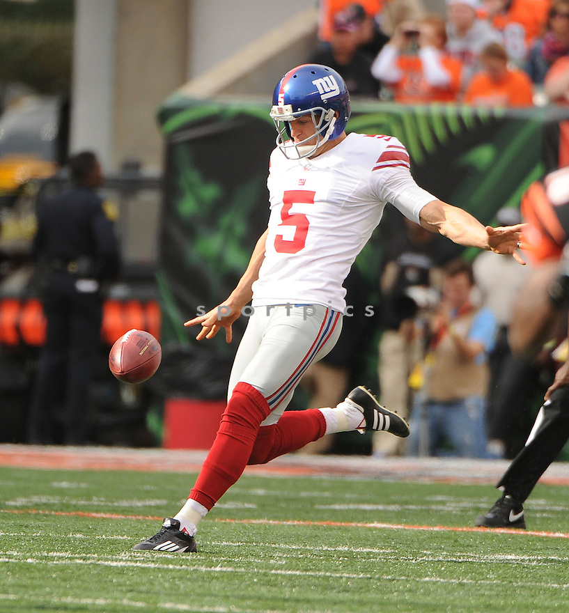 New York Giants Steve Weatherford (5) in action during a game against the Bengals on November 11, 2012 at Paul Brown Stadium in Cincinnati, OH. The Bengals beat the Giants 31-13.