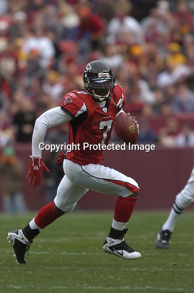 3 December 2006:  Falcons QB Michael Vick (7) scrambles..The Atlanta Falcons defeated the Washington Redskins 24-14 at FedEx Field in Landover, MD.