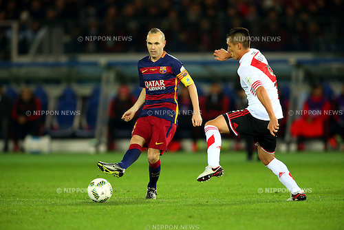 Andres Iniesta (Barcelona), Matias Kranevitter (River),<br /> DECEMBER 20, 2015 - Football / Soccer :<br /> FIFA Club World Cup Japan 2015 Final match between River Plate 0-3 FC Barcelona at International Stadium Yokohama in Kanagawa, Japan. (Photo by AFLO)