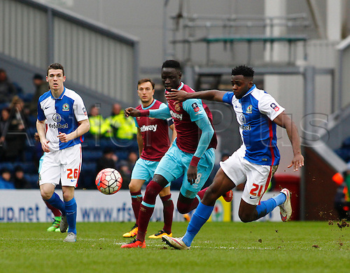 21.02.2016. Ewood Park, Blackburn, England. Emirates FA Cup 5th Round. Blackburn Rovers versus West Ham United. Blackburn Rovers midfielder Hope Akpan holds off the challenge of West Ham midfielder Cheikhou Kouyaté.