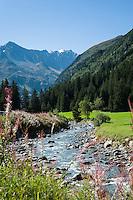 Austria, Tyrol, Pitztal Valley, near Plangeross: river Pitze (also named Pitzbach) flows through the Pitztal valley and ends in river Inn | Oesterreich, Tirol, Pitztal, bei Plangeross: die Pitze oder auch Pitzbach genannt fliesst durch das Pitztal und muendet spaeter in den Inn