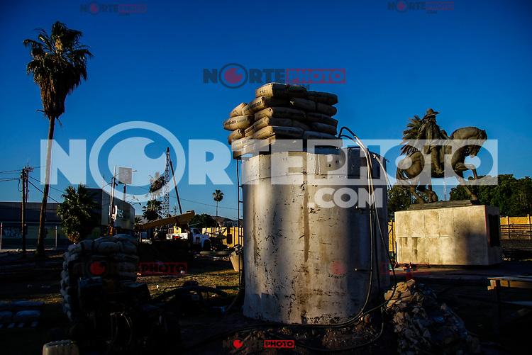 Cacos de concreto y el caballito de Anza durante la cosntruccion del puente de Luis Encinas y solidaridad.