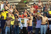 NEIVA - COLOMBIA, 17-10-2018: Hinchas del Bucaramanga animan a su equipo durante el partido entre Atlético Huila y Atletico Bucaramanga por la fecha 15 de la Liga Águila II 2018 jugado en el estadio Guillermo Plazas Alcid de la ciudad de Neiva. / Fans of Atletico Bucaramanga cheer for their team during the match between Atletico Huila and Atletico Bucaramanga for the date 15 of the Aguila League II 2018 played at Guillermo Plazas Alcid in Neiva city. VizzorImage / Sergio Reyes / Cont