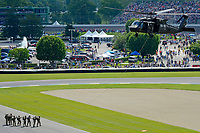 Verizon IndyCar Series<br /> Indianapolis 500 Race<br /> Indianapolis Motor Speedway, Indianapolis, IN USA<br /> Sunday 28 May 2017<br /> Army Rangers prepare to be lifted into the air.<br /> World Copyright: F. Peirce Williams<br /> LAT Images