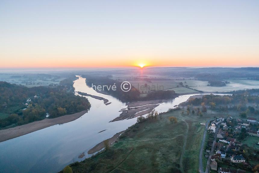 France, Cher (18), Cuffy, le Bec d'Allier, confluence de l'Allier à droite et de la Loire à gauche