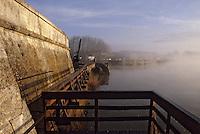 Europe/France/Poitou-Charentes/17/Charente-Maritime/Rochefort: La Charente à l'aube