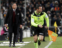 Calcio, Serie A: Juventus vs Milan. Torino, Juventus Stadium, 21 novembre 2015. <br /> AC Milan&rsquo;s coach Sinisa Mihajlovic gives indications to his players during the Italian Serie A football match between Juventus and AC Milan at Turin's Juventus stadium, 21 November 2015. Juventus won 1-0.<br /> UPDATE IMAGES PRESS/Isabella Bonotto